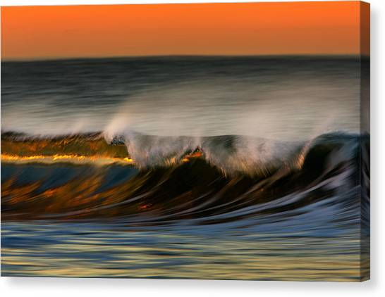 Wave 73a1761 Canvas Print