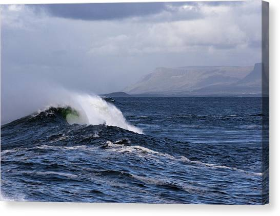 Waves In Easkey 2 Canvas Print by Tony Reddington
