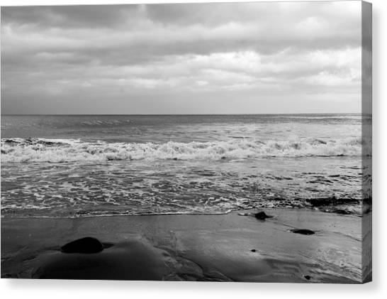 Waves Rolling In  Canvas Print