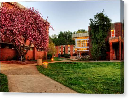 Wcu's Walkway To Killian Canvas Print