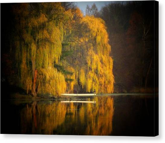 Weeping Willow Pier Canvas Print