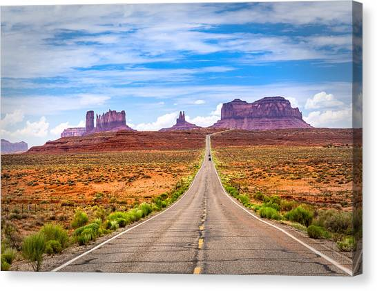 Welcome To Monument Valley Canvas Print