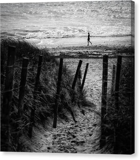 Walk Canvas Print - Westbound by Luc Vangindertael (lagrange)