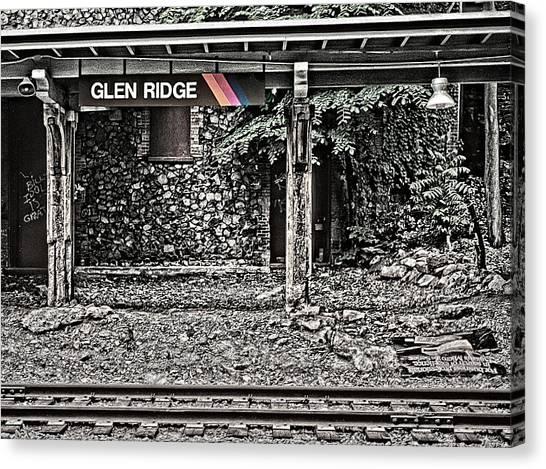 Westbound Track At Glen Ridge Station Canvas Print