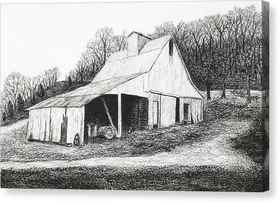 White Barn On Bluff Road Canvas Print