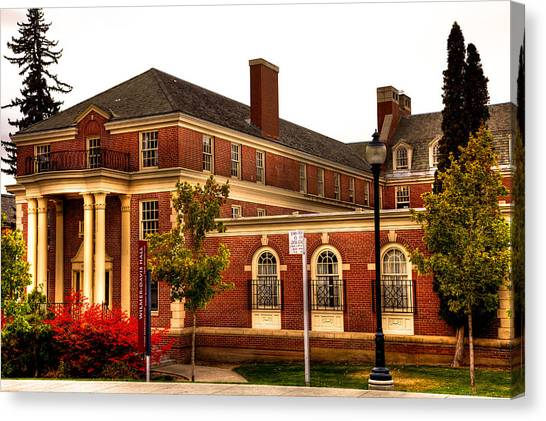 Washington State University Canvas Print - Wilma Davis Hall On The Wsu Campus by David Patterson