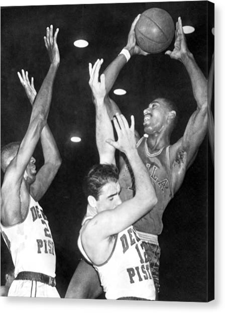 Detroit Pistons Canvas Print - Wilt Chamberlain Shoots by Underwood Archives