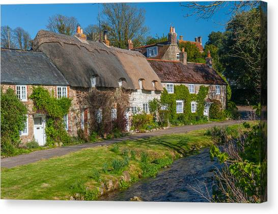 Winkle Street Calbourne Isle Of Wight Canvas Print by David Ross