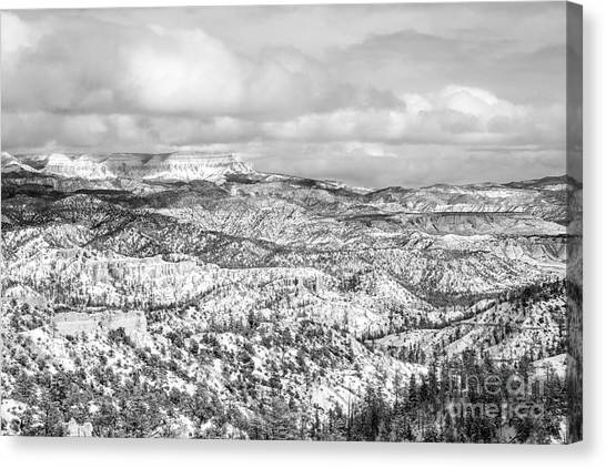 Winter Scenery In Bryce Canyon Utah Canvas Print by Julia Hiebaum
