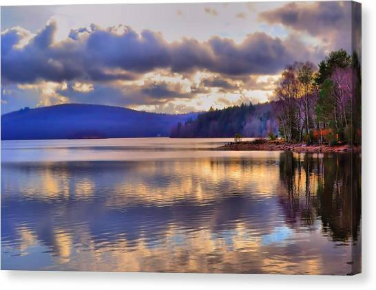 Winters Lake Canvas Print by Dave Woodbridge