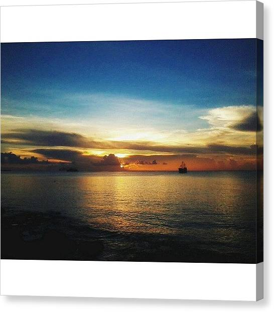 Ocean Sunsets Canvas Print - Wooooo!! Que Dia!! #sunset #sunshine by Sammy Flores