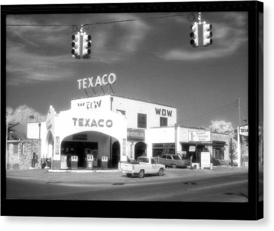 Wow Texaco Bandera 1983 Canvas Print