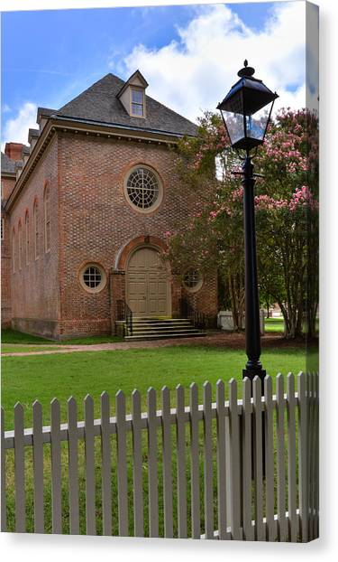 Wren Chapel At William And Mary Canvas Print