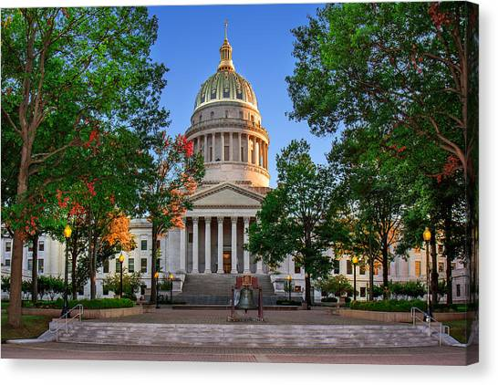 Wv Capitol As Dusk Canvas Print