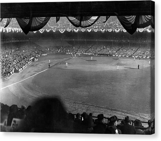 Yankee Stadium Canvas Print - Yankees Defeat Giants by Underwood Archives