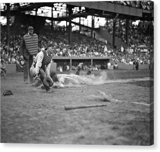 Lou Gehrig Canvas Print - Yankees Lou Gehrig Scores Head First In The 4th Inning by Underwood Archives