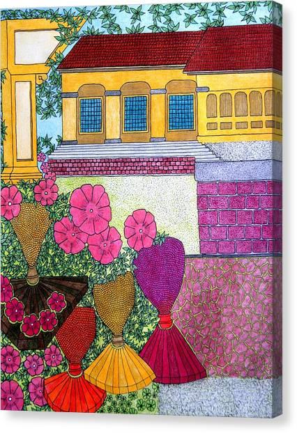 Yellow Casa Pink Flors Canvas Print