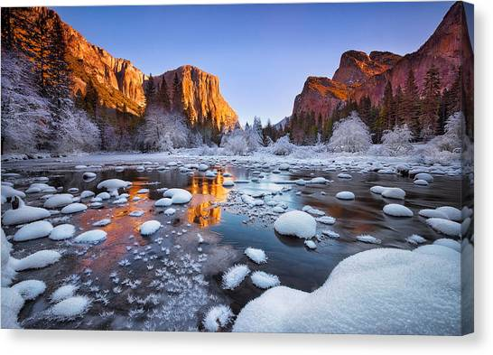 Yosemite Valley Canvas Print by Lincoln Harrison