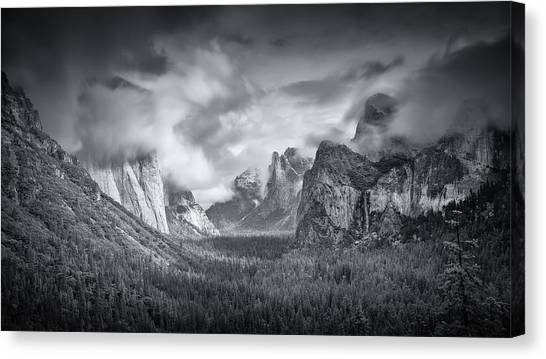 Yosemite Valley Canvas Print by Mike Leske