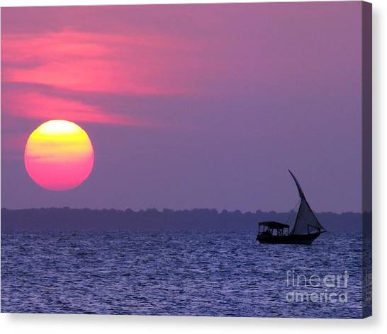 Zanzibar Sunset 21 Canvas Print by Giorgio Darrigo