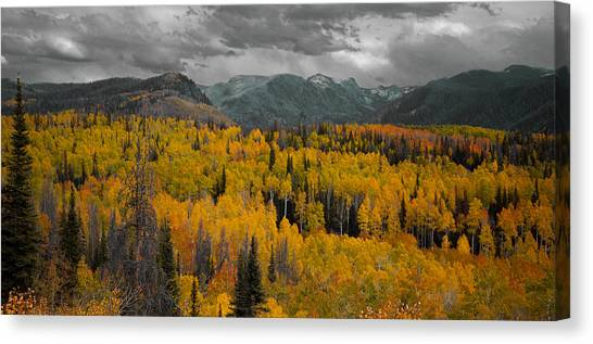 Zirkel Mountain Range Canvas Print