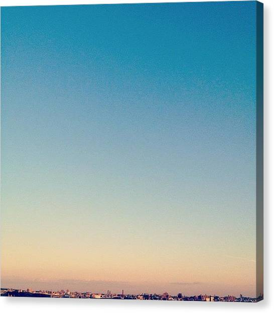 Minimalism Canvas Print - | 空見日和 | Tranquil by Istories Chi