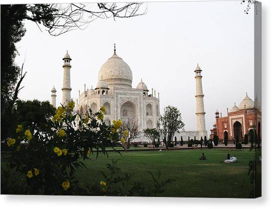View Of Taj Mahal Canvas Print