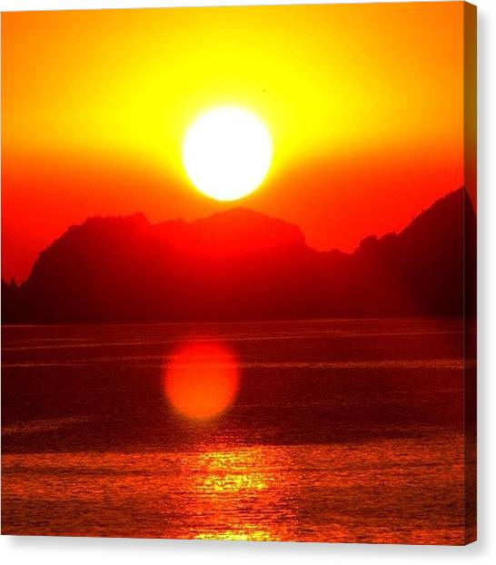 Ocean Sunsets Canvas Print - #skystyles_gf #sunset_madness by Kelsey Parisien