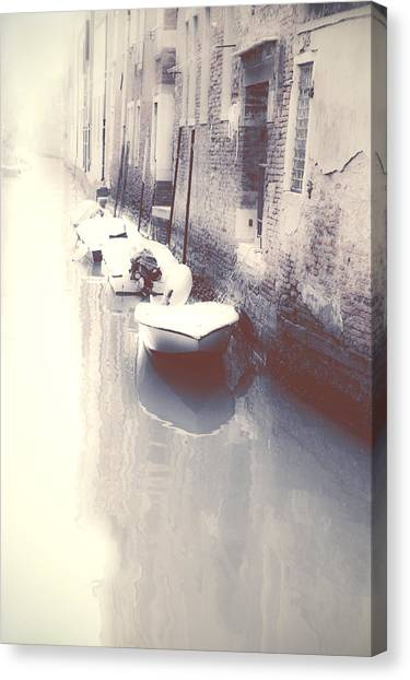 Old Houses Canvas Print - Venezia by Joana Kruse