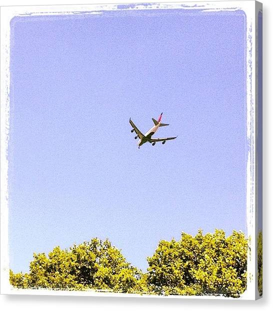 Jets Canvas Print - 13l Approach At Jfk by Yiddy W