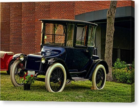 1917 Detroit Electric Model 68 Canvas Print