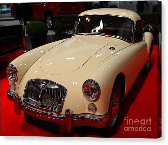 1962 Mg A 1600 Mark II Coupe . Vanilla White . 7d9325 Canvas Print by Wingsdomain Art and Photography
