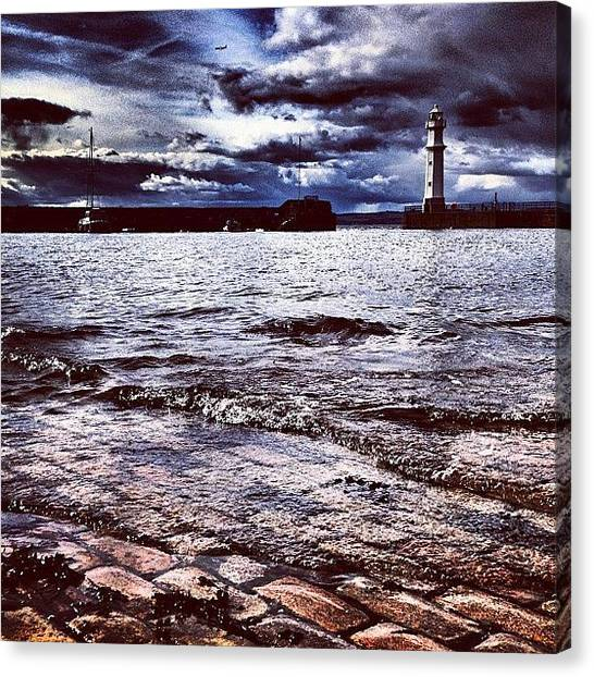 Lighthouses Canvas Print - #gf_daily #master_pics #instagood by Sarah Drummond
