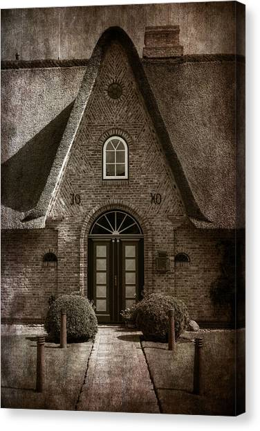 House Canvas Print - Thatch by Joana Kruse