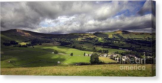 The Hope Valley Derbyshire Canvas Print by Darren Burroughs
