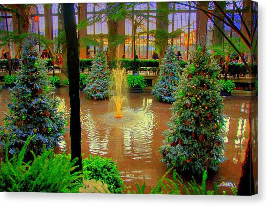 Dupont Gardens Canvas Print by Aron Chervin
