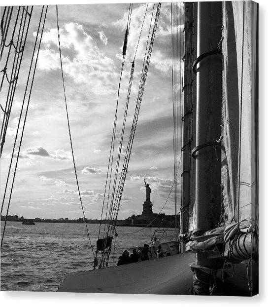 Statue Of Liberty Canvas Print - Statue Of Liberty Nyc by Oliver Wintermantel