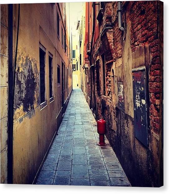 Street Scenes Canvas Print - #instagramhub #instagramers #gphoto by Guy Oren