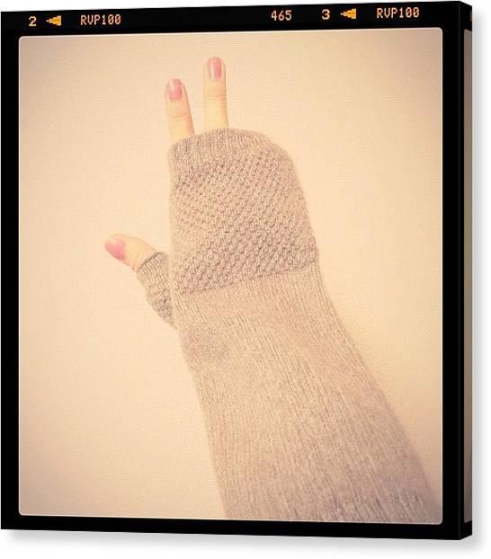 Gloves Canvas Print - 友達から贈り物が届いた💝 by Ayami Nakamura