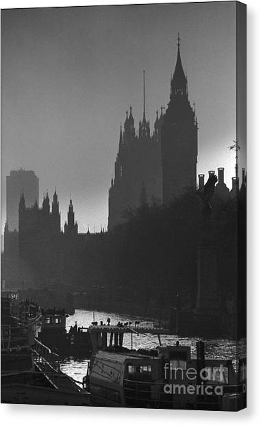 A Foggy Day In London Canvas Print by Aldo Cervato