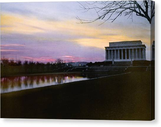 D.c. United Canvas Print - A View Of The Lincoln Memorial by Charles Martin
