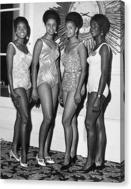African Beauty Queens Canvas Print by Leonard Burt