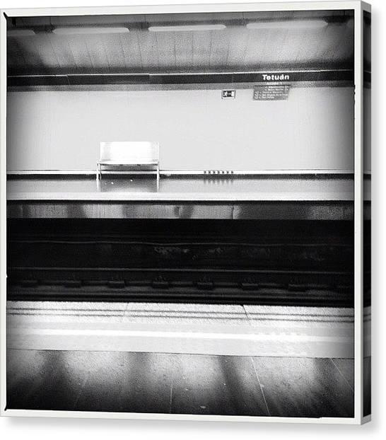 London Tube Canvas Print - Alone #tetuan #concursostudioyague by Geovanny Ardila
