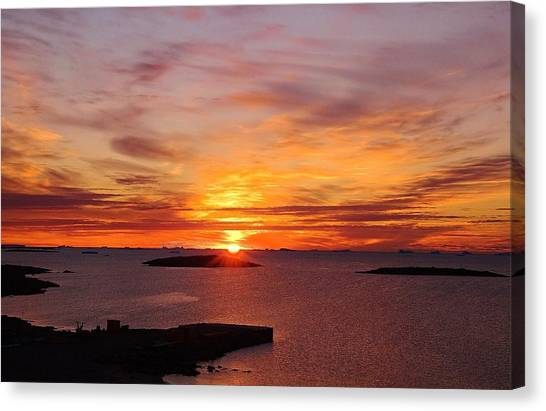 Antarctic Sunset 02 Canvas Print by David Barringhaus