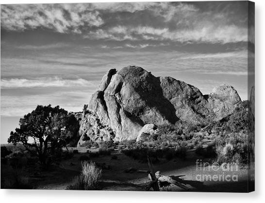 Arches Black And White Canvas Print by Wilma  Birdwell