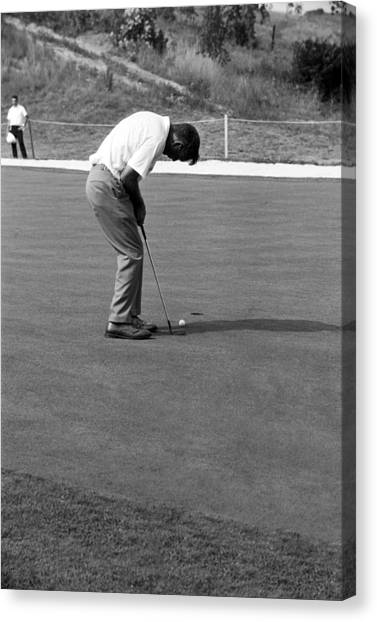 Arnold Palmer Canvas Print - Arnie Putts At 1964 Us Open At Congressional Country Club by Jan W Faul