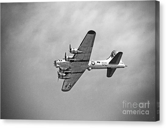 B-17 Bomber - Dust And Scratch Canvas Print