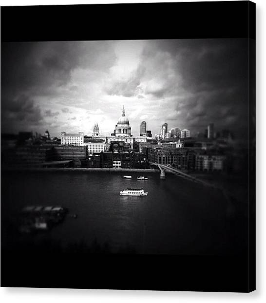 London Canvas Print - Back In London by Ritchie Garrod