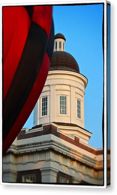 Balloon And Dome Of The Canton Courthouse Canvas Print