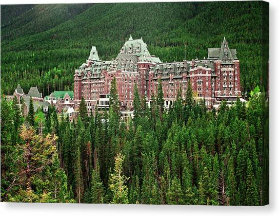 Banff Hotel 1607 Canvas Print by Larry Roberson